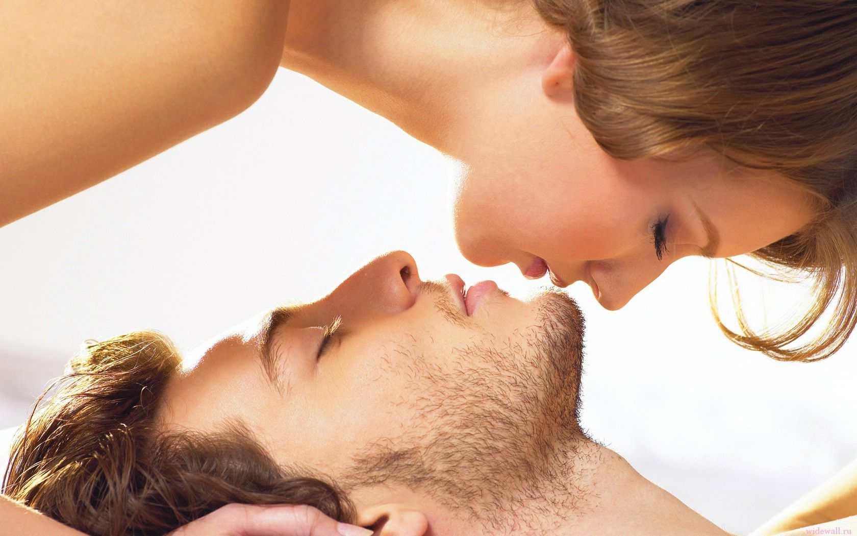 интимные отношения корейские мужчина и женщина видео