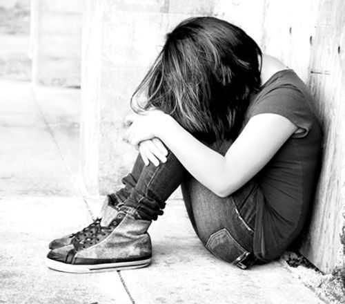krizisnye_sostojanija_u_detej_i_podrostkov_ptsr_nasilie_gore_suicidalnoe_povedenie-1.jpg